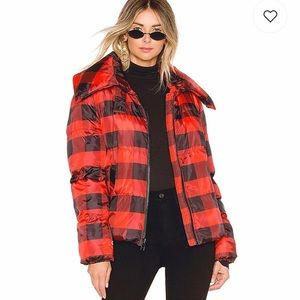NWT Size M Kendall & Kylie Oversized Puffer Jacket
